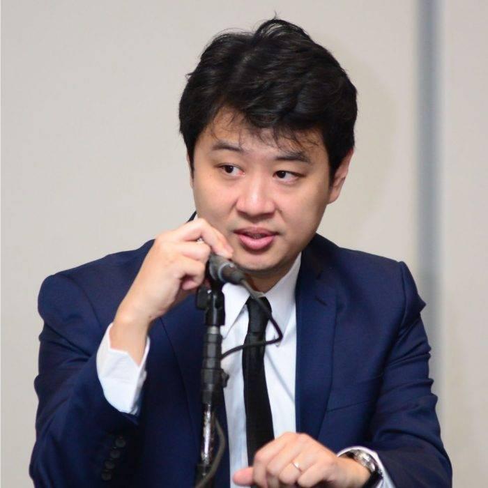 Dr. Marcus Yu Bin Pai - Médico de Dor e Fisiatria
